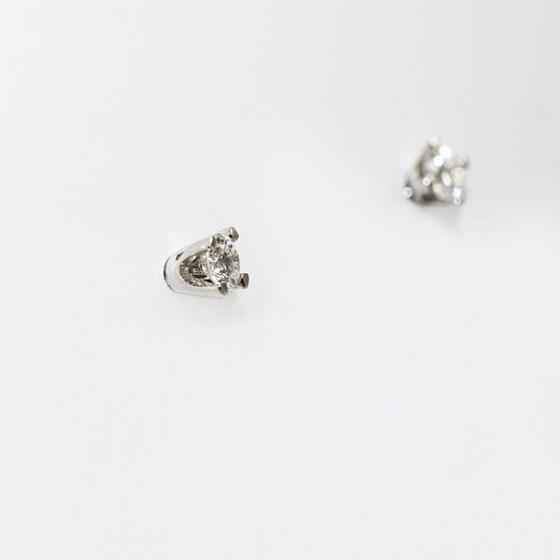 Pendientes de niña en oro blanco y diamantes en garras - 1